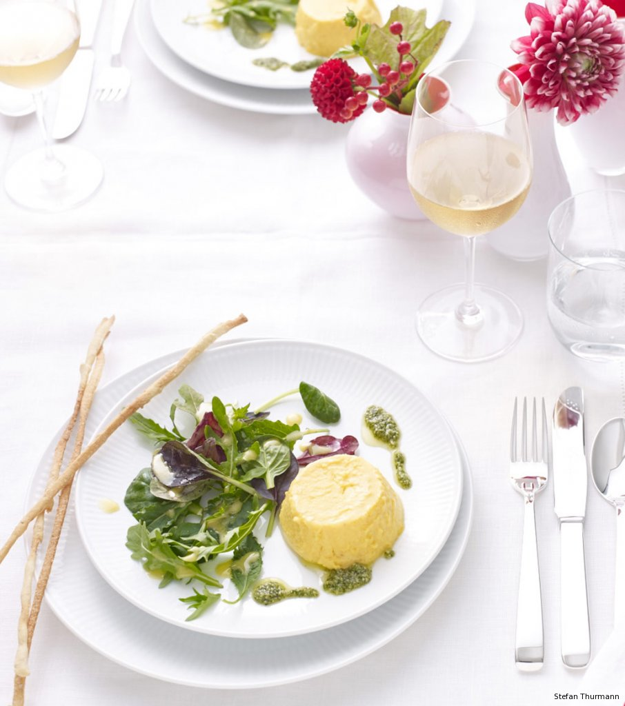 k rbis flan mit salat und feldsalat pesto rezept essen und trinken. Black Bedroom Furniture Sets. Home Design Ideas