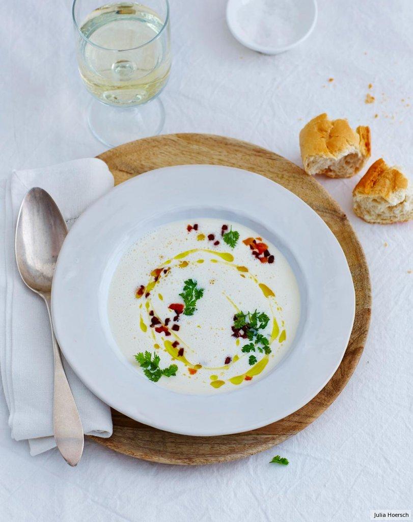 parmesan suppe mit chorizo und aprikosen rezept essen und trinken. Black Bedroom Furniture Sets. Home Design Ideas