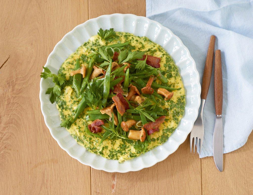 petersilien omelette mit bohnen und pfifferlingen rezept essen und trinken. Black Bedroom Furniture Sets. Home Design Ideas
