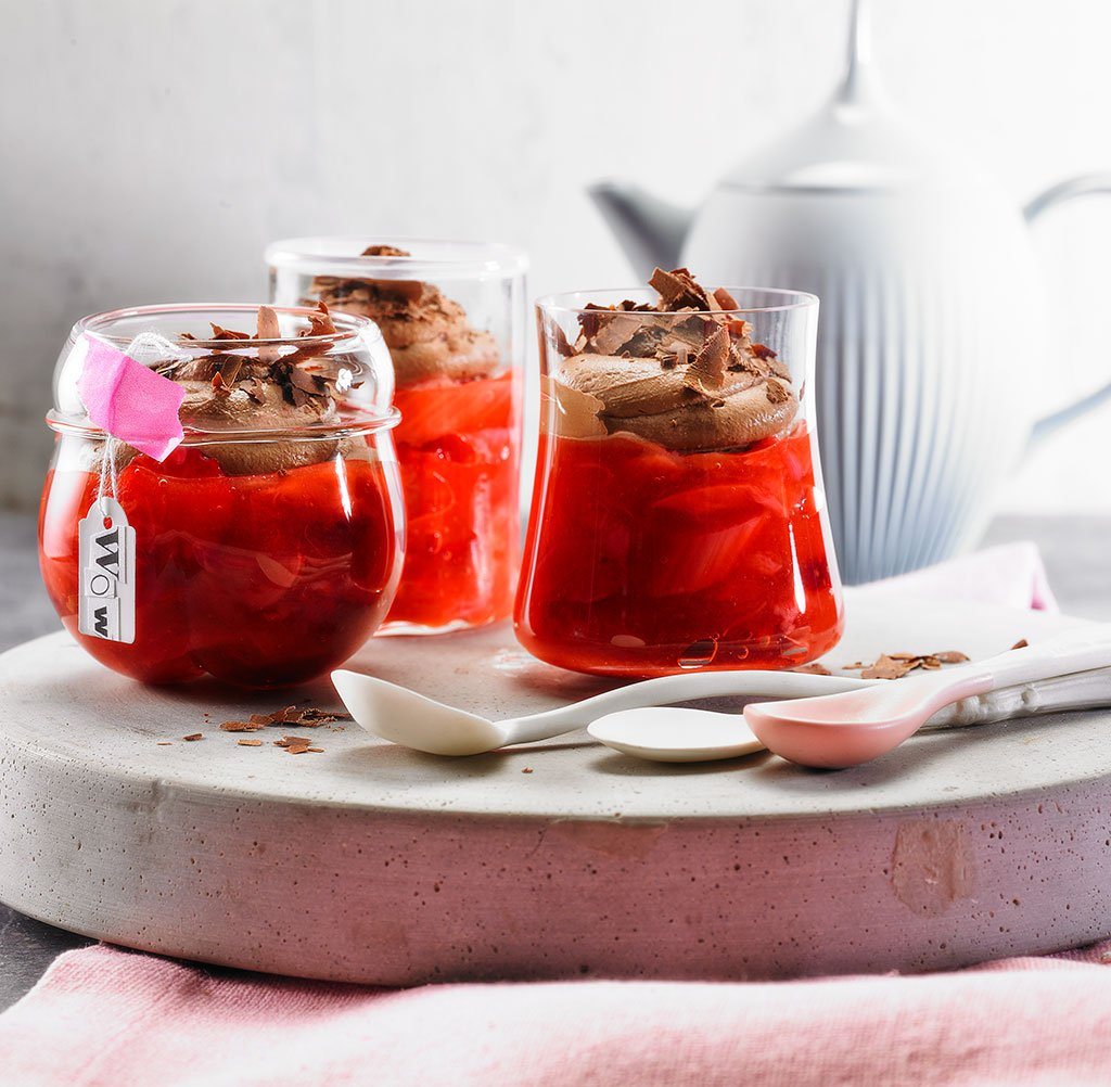 rhabarber erdbeer gr tze mit schoko sahne rezept essen trinken. Black Bedroom Furniture Sets. Home Design Ideas