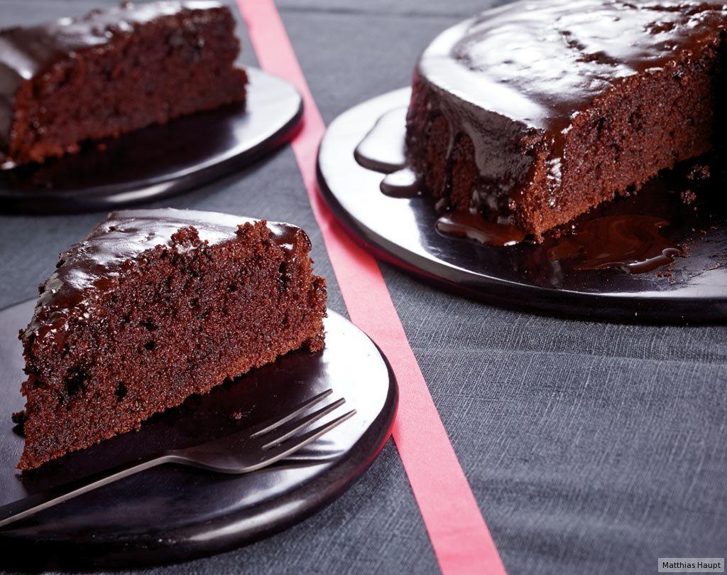 saftiger schokoladenkuchen rezept essen trinken. Black Bedroom Furniture Sets. Home Design Ideas
