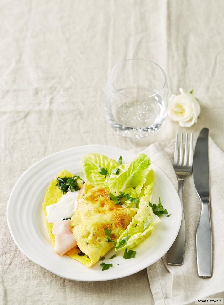 spinat omelett mit salat rezept essen und trinken. Black Bedroom Furniture Sets. Home Design Ideas