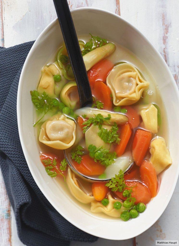 Tortellini-Gemüse-Eintopf Rezept - [ESSEN UND TRINKEN]