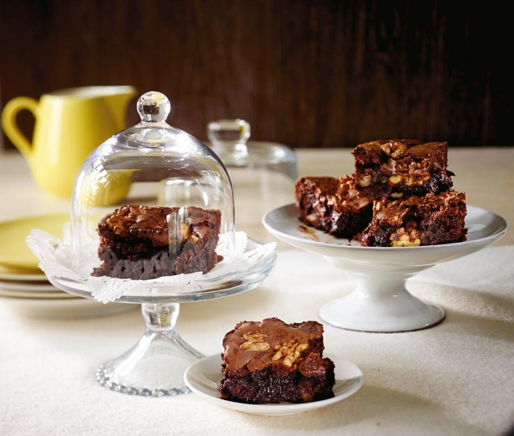 walnuss brownies rezept essen trinken. Black Bedroom Furniture Sets. Home Design Ideas
