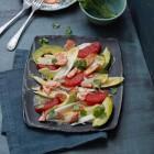 Chicorée-Salat mit Avocado und Lachs