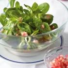 Feldsalat mit Granatapfel-Vinaigrette