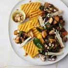 Gebratene Rosmarin-Polenta mit Mangold-Pilzen