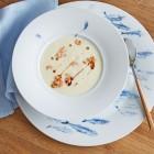 Kohlrabi-Krabben-Suppe mit Kaffeeöl