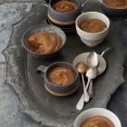 Mokka-Mousse mit Toffee-Sauce