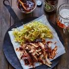 Pulled Chicken mit Spitzkohl-Slaw