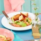 Seafood Cakes mit Avocado-Grapefruit-Salat