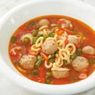 Tomaten-Nudelsuppe
