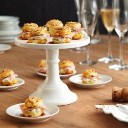 Cheddar-Scones mit Kräutercreme
