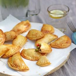 Empanadillas mit Erbsen-Minz-Füllung