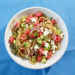 Frischer Spaghetti-Salat