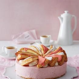 Profiteroles-Erdbeer-Torte