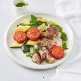 Steak mit Pesto und Gemüse