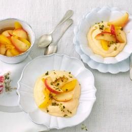 Süsse Polenta mit Vanille und Kompott