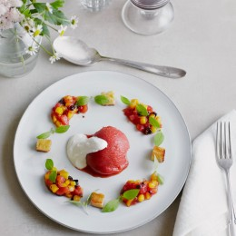 Tomaten-Sorbet mit Tomaten-Mango-Kompott