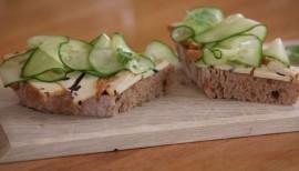 Rezept für Gurkensandwich mit Algentofu und Koriander von Nicole Just