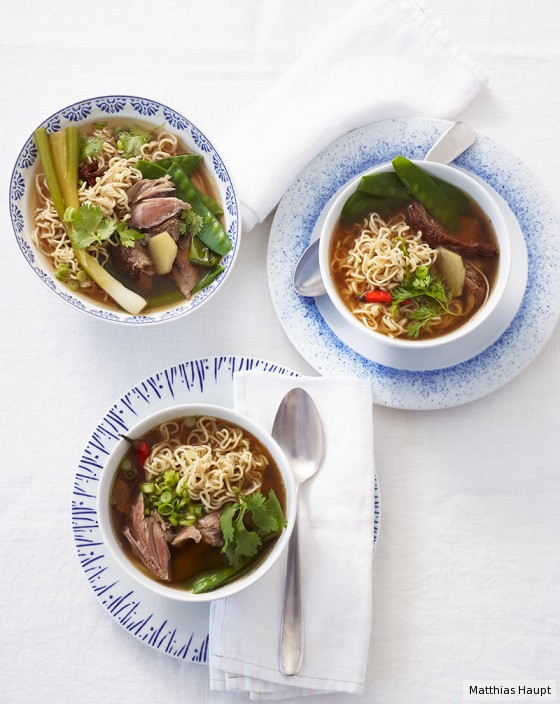 asiatische entensuppe rezept essen und trinken. Black Bedroom Furniture Sets. Home Design Ideas