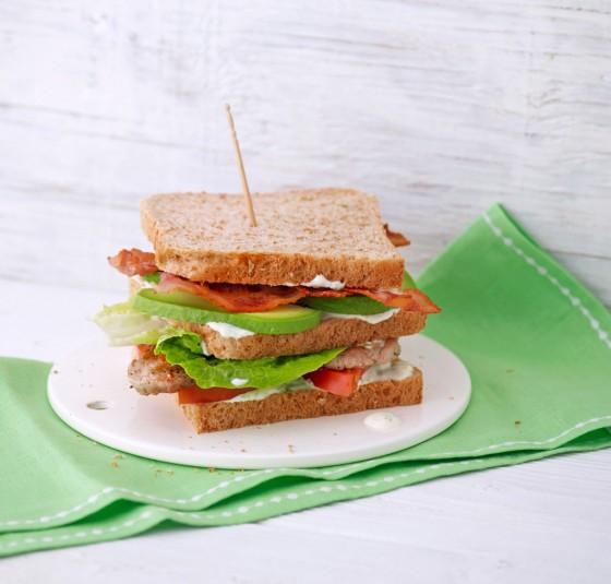 Avocado-Sandwich mit Schweinefilet