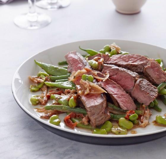Bohnen-Speck-Salat mit Rinderhüfte
