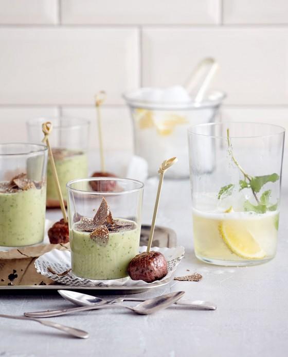 Cocktail mit Zitronengeist
