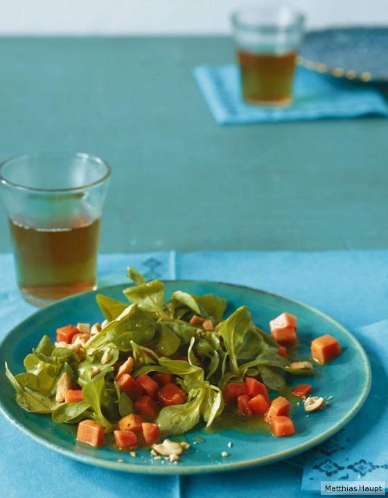 Feldsalat mit Papaya-Dressing