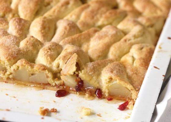 Gedeckter Birnenkuchen