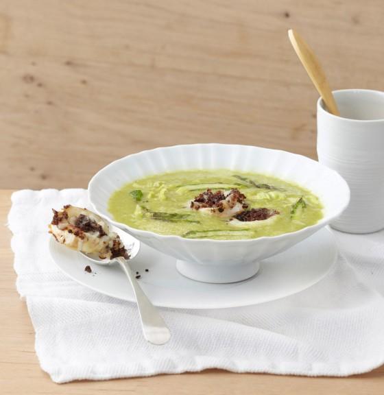 Grüner-Spargel-Kopfsalat-Suppe