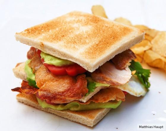 Hähnchen-Club-Sandwich