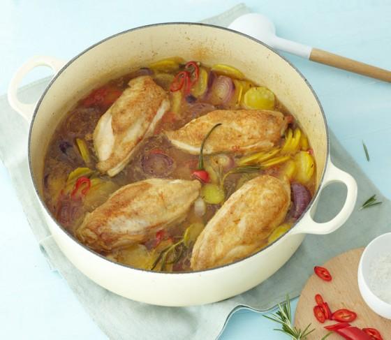 Hühnerbrust mit Kartoffel-Zwiebel-Gemüse