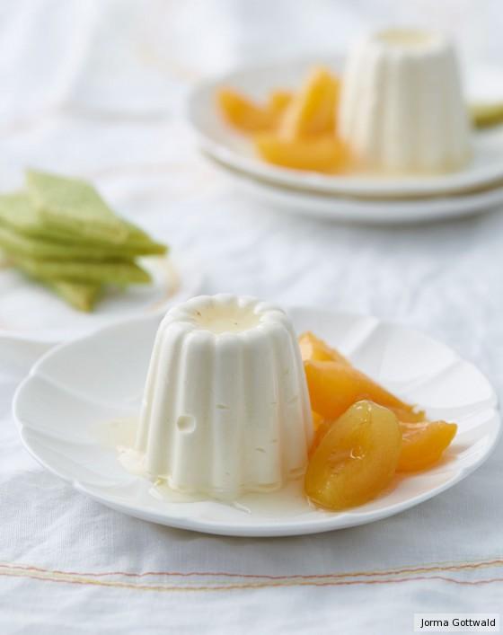 Joghurt-Parfait mit Aprikosen und Shortbread
