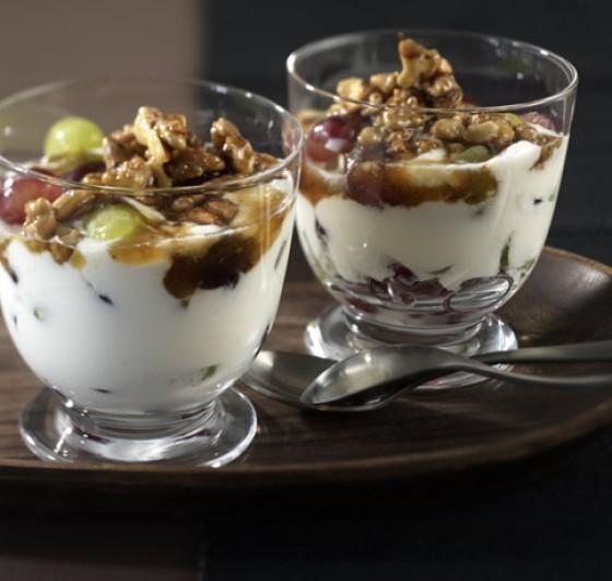 Joghurt mit Honignüssen