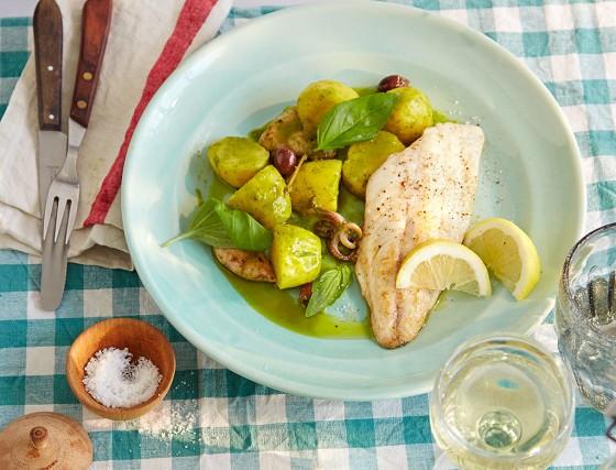Kartoffel-Calamari-Salat mit Doradenfilet