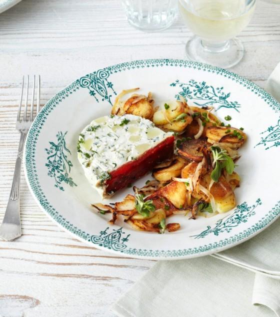 Kartoffel-Kräuter-Terrine mit Bratkartoffeln