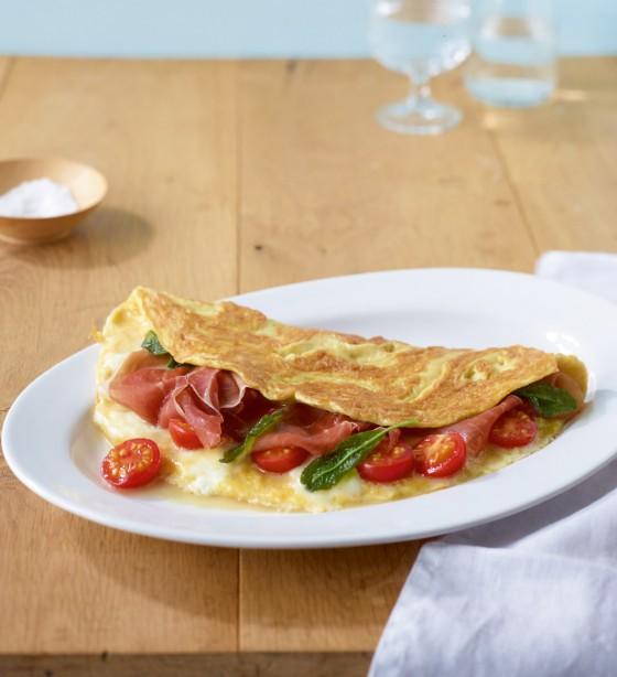 Omelette mit Büffelmozzarella und Parmaschinken