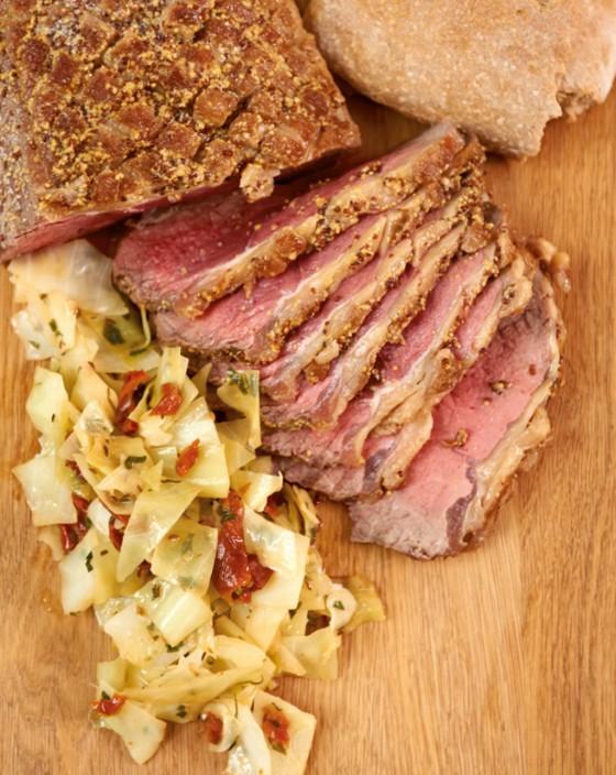 Roastbeef im Brotteig mit Weisskohl