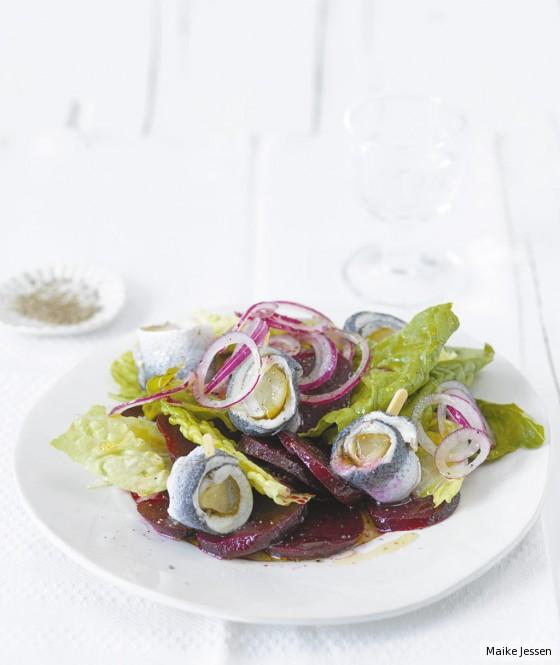 Rote-Bete-Salat mit Rollmops
