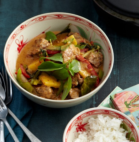 Rotes Curry mit Schweinefleisch