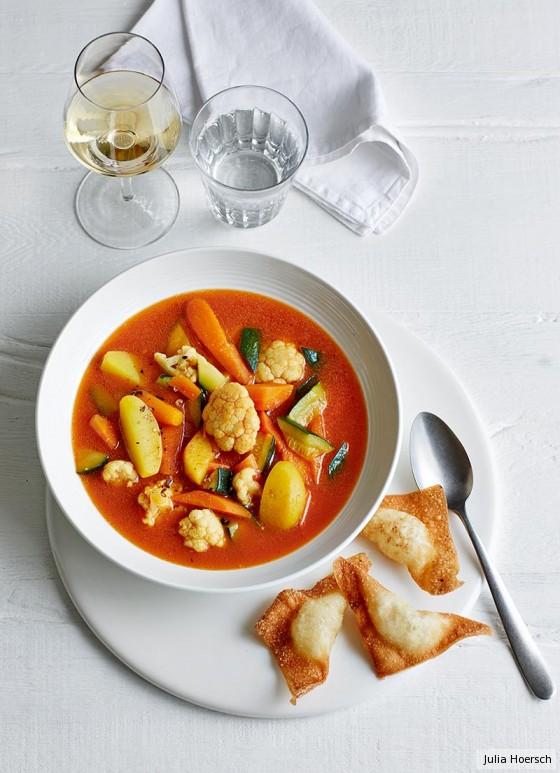 Safran-Gemüse-Eintopf mit Wan Tan
