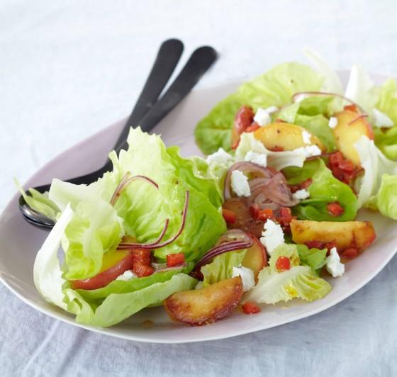 Salat mit gebratenem Apfel