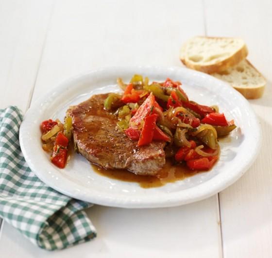 Steak mit Paprikagemüse