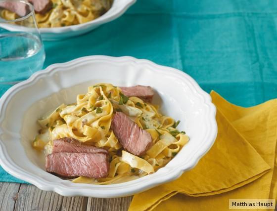Tagliatelle mit Steak und Pfefferrahm
