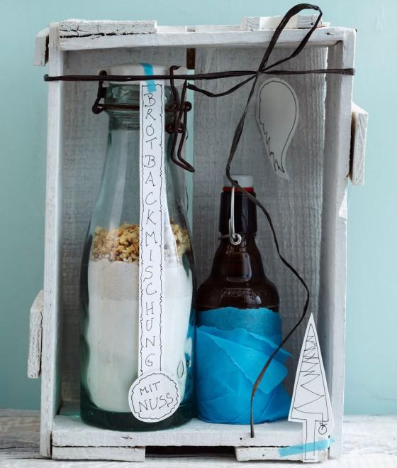 walnussbrot backmischung zum verschenken rezept essen trinken. Black Bedroom Furniture Sets. Home Design Ideas