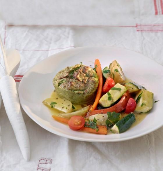 Zucchini-Flan mit Kohlrabi-Möhren-Salat