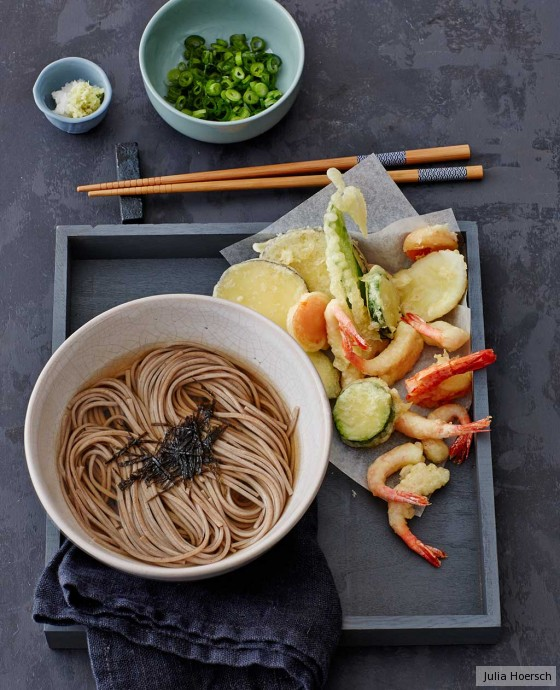 soba nudel suppe mit gem se und garnelen tempura rezept essen trinken. Black Bedroom Furniture Sets. Home Design Ideas