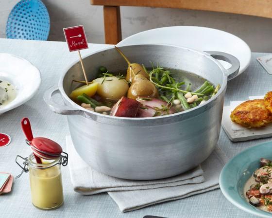 birnen zweierlei bohnen und speck bohnen suppen eint pfe mit fleisch 1 essen trinken. Black Bedroom Furniture Sets. Home Design Ideas