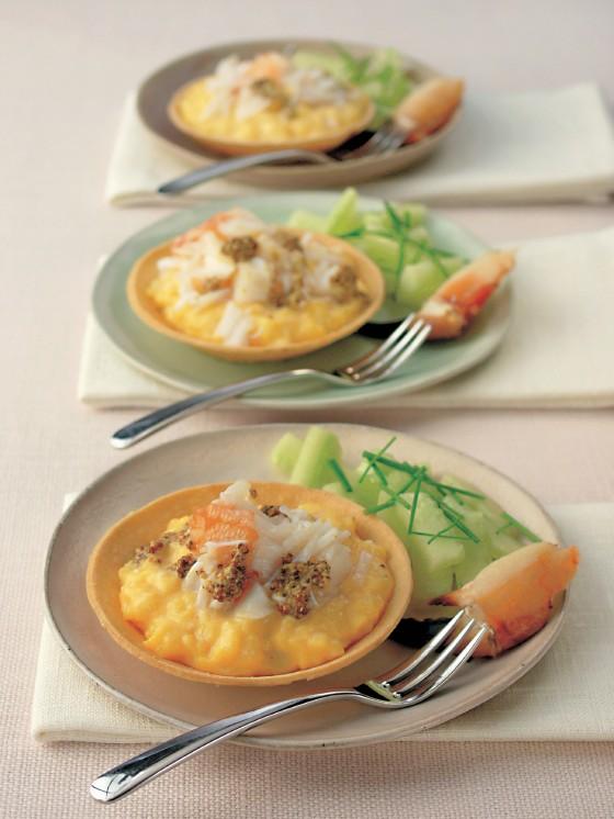 Croustardes mit Rührei und Krabbenfleisch